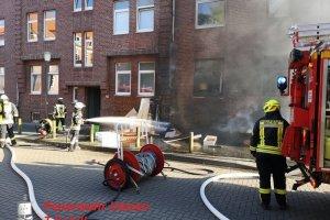 F2 – Brennt Sperrmüll direkt am Haus Uelzen – Brauerstraße  23.07.2019