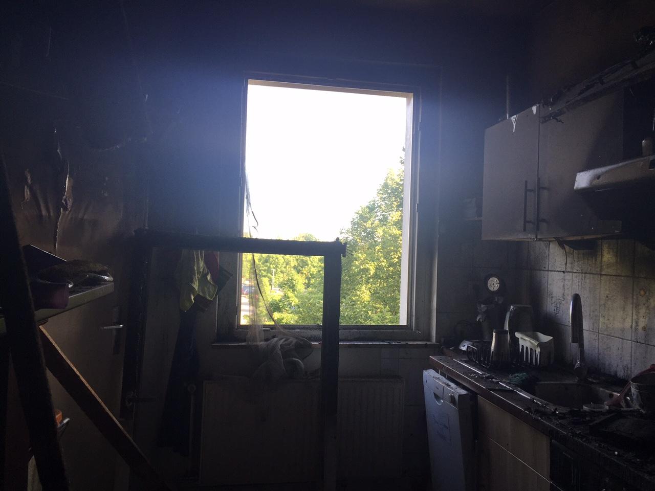 168.  Wohnungsbrand F3 - Menschenleben in Gefahr