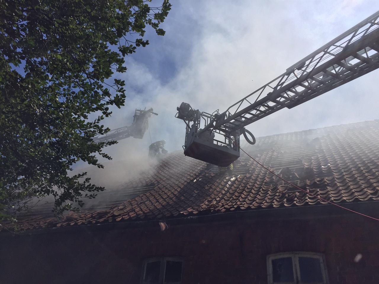 169. Scheunenbrand F3 - Angrenzendes Wohnhaus in Gefahr