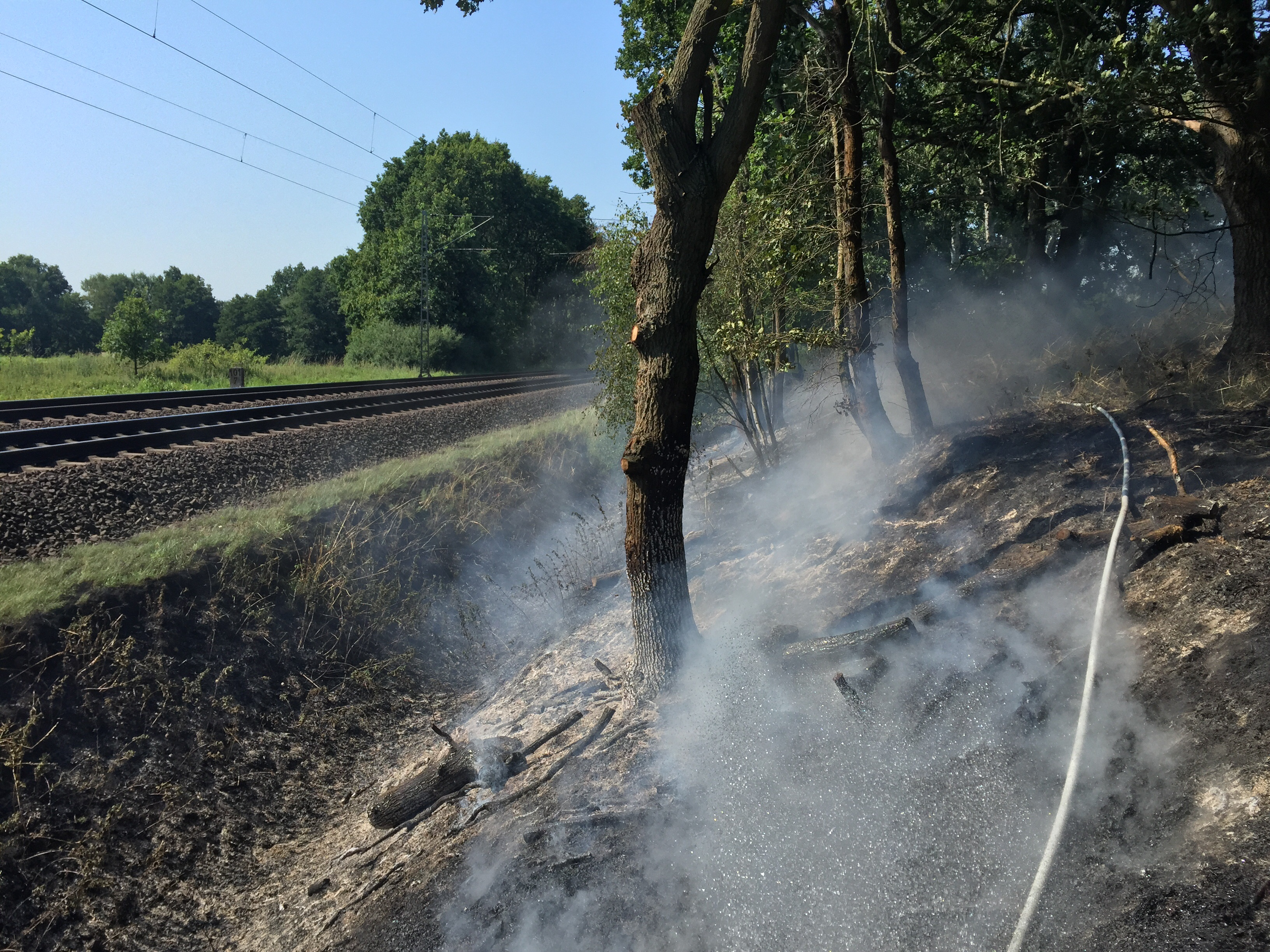 166. Bahnböschungsbrand km 102
