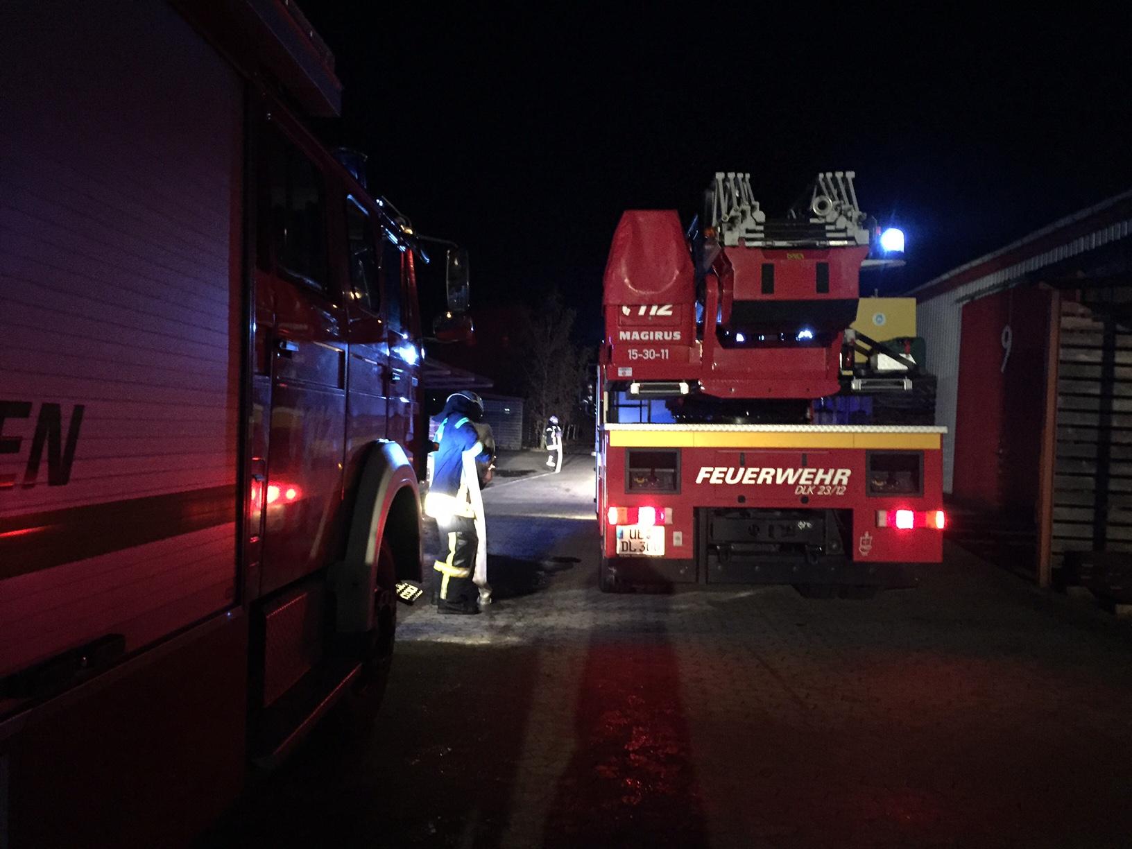 306. F3 - Entstehungsbrand in Lagerhalle