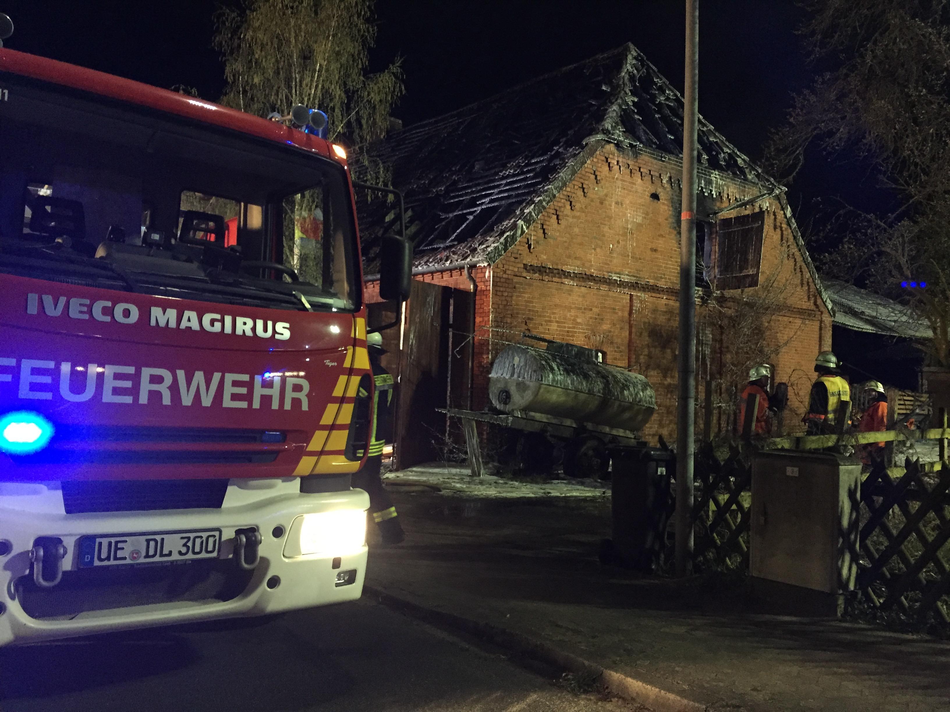 088. F2Y - Wohnhausbrand - Menschenleben in Gefahr