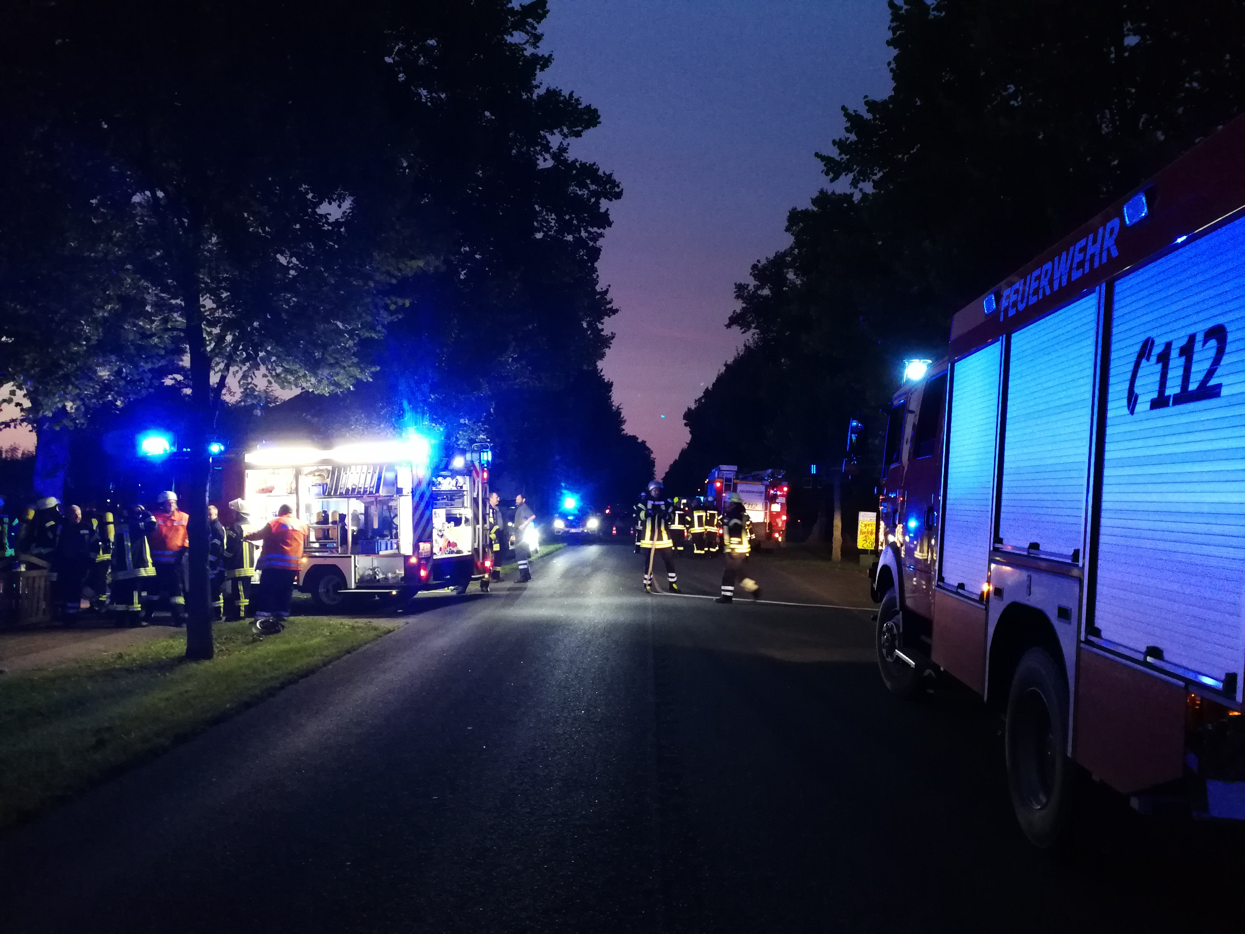 227. F2Y - Zimmerbrand - - Menschenleben in Gefahr