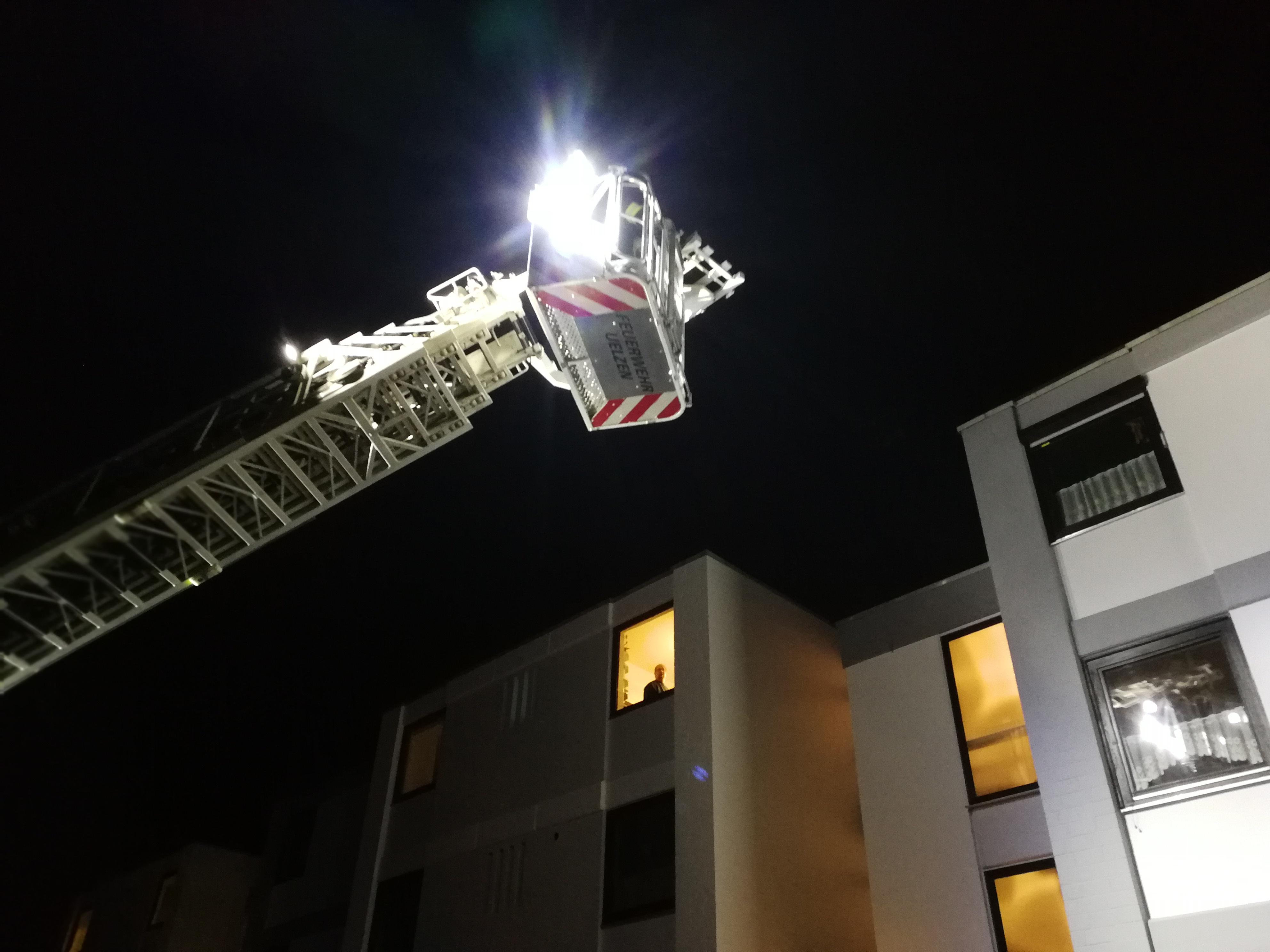 346. Hilfeleistung - - Unterstützung Rettungsdienst - Personenrettung über DLK