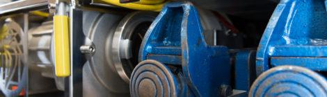 241. Verkehrsunfall Groß - eingeklemmte Person - - PKW gegen LKW