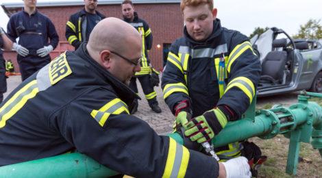 Gemeinsamer Ausbildungsdienst aller drei Gefahrgutzüge des Landkreises Uelzen