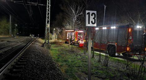 042. Hilfeleistung - - Person vor Zug - Anforderung ausleuchten Gleisanlage