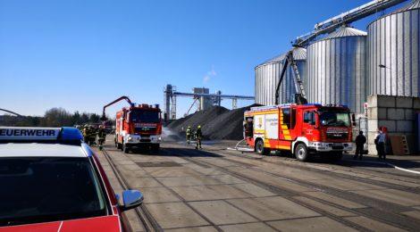 063. F1 - Schwelbrand in Kohlehaufen - Kohleumschlagplatz